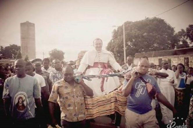 Le nonce apostolique en Côte d'Ivoire,Joseph Spiteri, en visite à Fresco, dans le sud-ouest du pays, le 14 mai 2016.