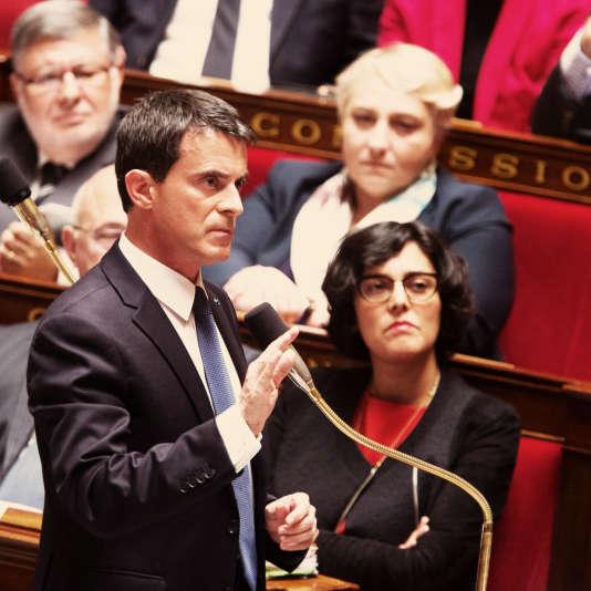 Myriam El Khomri et Manuel Valls à l'Assemblée nationale, le 10 Mai 2016.