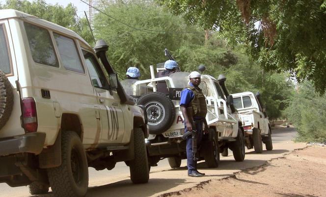 Une patrouille de la police malienne et des forces de l'ONU à Gao, le 18 mai./ AFP / SOULEYMANE AG ANARA