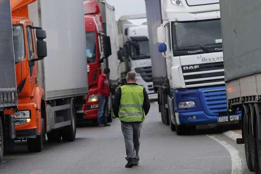 Blocage routier à Carquefou près de Nantes, mercredi 18 mai.