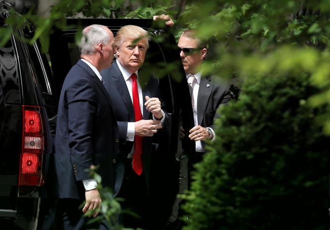 Donald Trump à son arrivée à un entretien avec l'ex-secrétaire d'EtatHenry Kissinger à New York, mercredi 18 mai 2016.