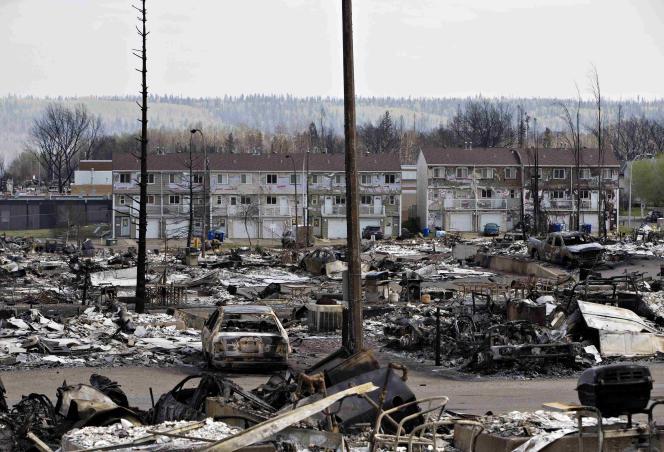 Dans le quartier d'Abasand, à Fort McMurray,dévasté par le feu.