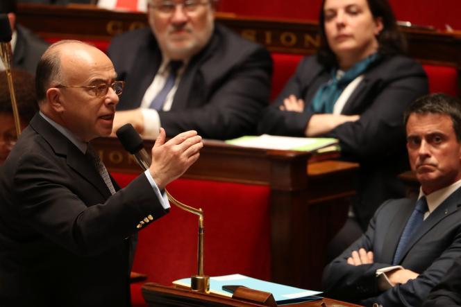 Le ministre de l'intérieur, Bernard Cazeneuve, à l'Assemblée nationale le 18 mai 2016.