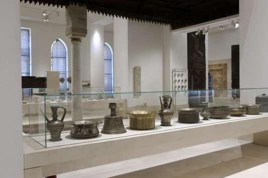 L'une des 23 salles duMusée des Arts islamiques du Caire, dans la scénographie-muséographie d'Adrien Gardère, avant l'attentat à la voiture piégée de 2014.