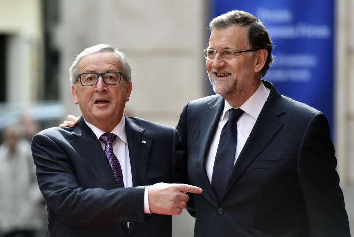 Le président de la Commission européenne, Jean-Claude Juncker, (à gauche) et le premier ministre espagnol, Mariano Rajoy, à Madrid, le 21 octobre 2015