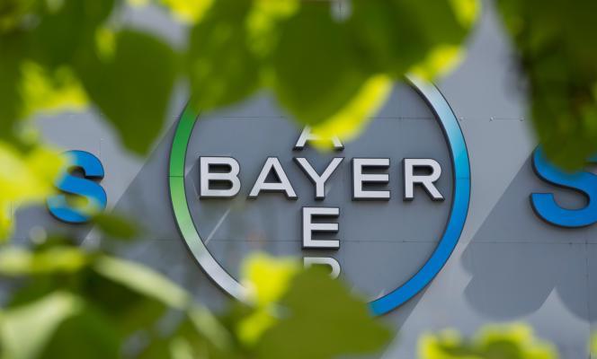 « Les dirigeants de Bayer ont récemment rencontré les responsables de Monsanto pour discuter en privé d'une acquisition négociée de Monsanto », a indiqué le groupe allemand dans un communiqué.