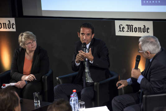 Alexandre Bompard, le 18 mai, au «Monde», entouré d'Isabelle Chaperon et de Vincent Giret, journalistes au «Monde».