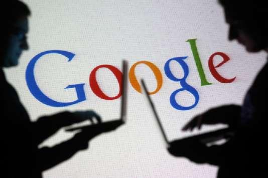 Selon le site Google Transparency Project, Google a recruté 8 fonctionnaires de l'administration française au sein de son service de lobbying.