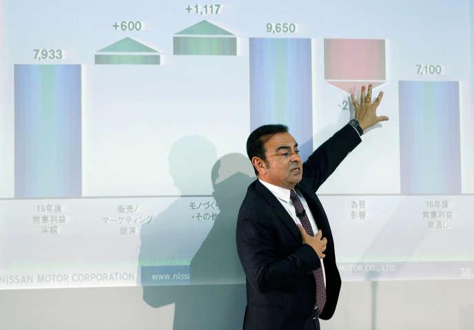« Dès l'instant où les actionnaires ne sont plus en mesure de contrôler et sanctionner les comportements des dirigeants, c'est toute la colonne vertébrale de la gouvernance actionnariale qui éclate en mille morceaux» (Photo:Carlos Ghosn à Yokohama, le 12 mai).