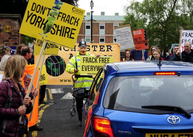 Manifestation contre l'exploitation du gaz de schiste, à Northallerton (Yorkshire), le 20mai.