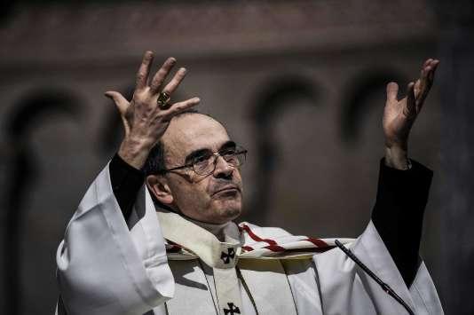 Philippe Barbarin préside une messe dans la cathédrale Saint-Jean à Lyon, le3avril.