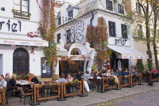 Le quartier juif de Cracovie, Kazimierz, est bordé de cafés et restaurants branchés.