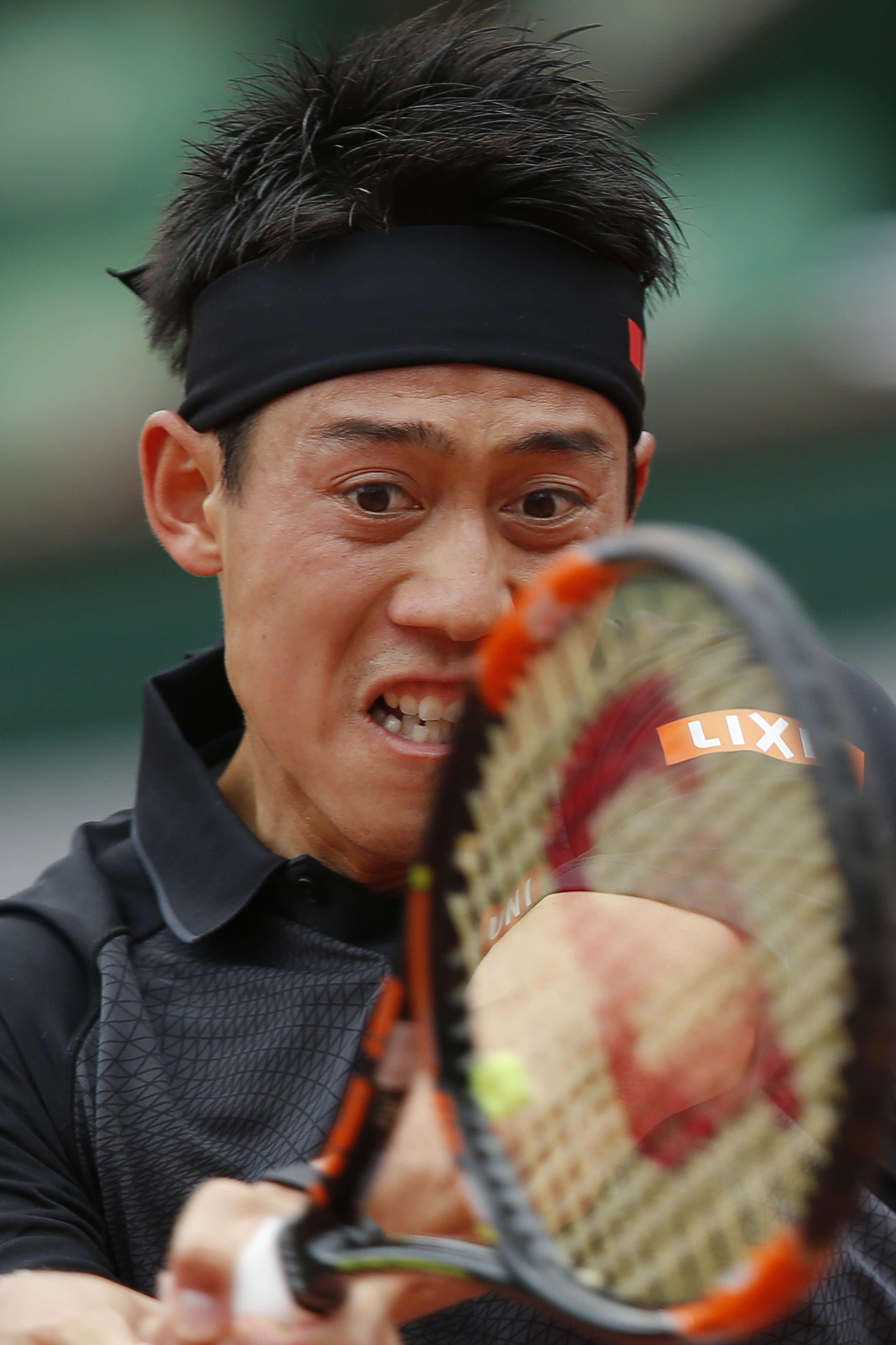 Le Japonais Kei Nishikori, 6e mondial, a facilement gagné le premier set (6-1) face à l'Italien Simone Bolelli, 116e. Le deuxième a été nettement plus serré (7-5). Dans la troisième manche, Nishikori menait 2-1 avant l'interruption du match en raison de la pluie.