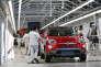 Ligne d'assemblage de la Fiat 500X, à Melfi (Italie), en septembre 2015.