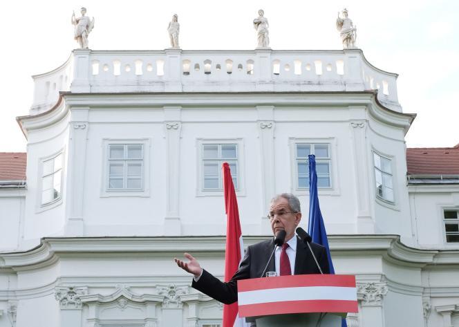 L'écologisteAlexander Van der Bellen prend la parole après l'annonce de sa victoire lundi 23 mai.