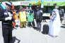 Des militants d'Attac parodient le TAFTA, sous la forme d'un mariage arrangé entre la France et « l'Oncle Sam», pendant le « Forum des résistances» de Thorens-Glières (Haute-Savoie), le 21 mai.
