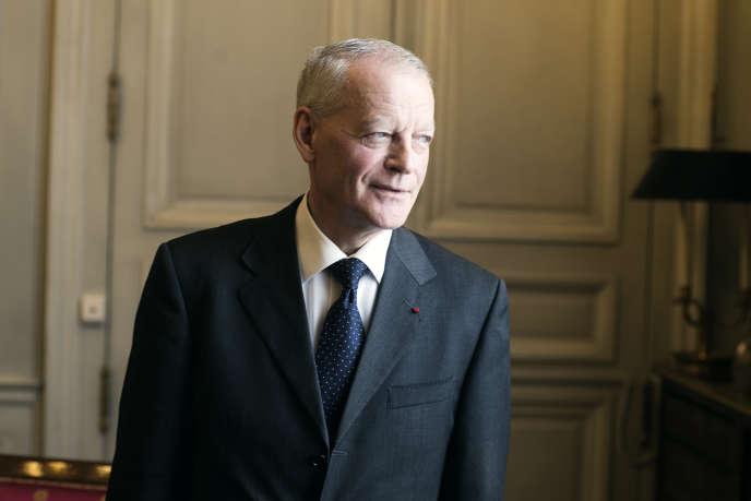 Bertrand Louvel, premier président de la Cour de cassation, pose dans son bureau du palais de justice de Paris, le 17 mai.