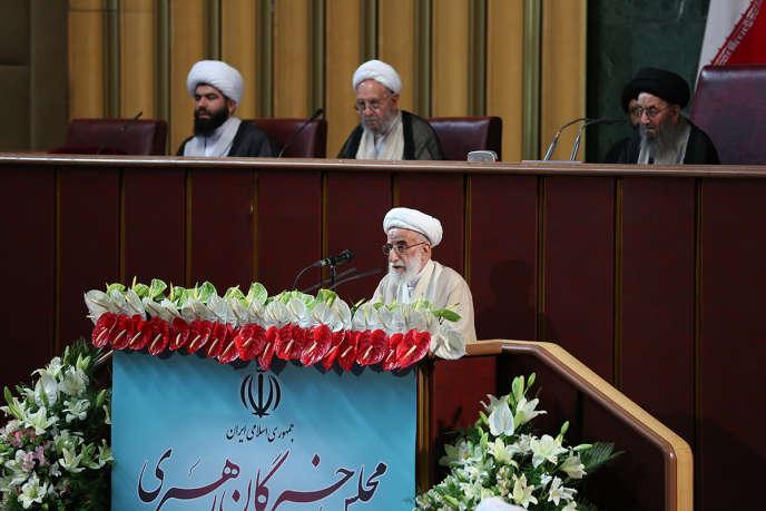 L'ayatollah Ahmad Jannati s'adresse à l'Assemblée des experts, le 24 mai, à Téhéran.