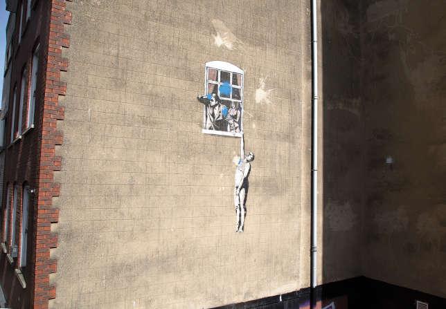Une œuvre de Bansky, lors du Bristol Street Art Tours.
