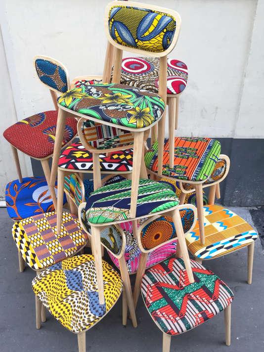 Les chaises de la collection «Wax going on».