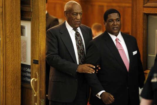 Bill Cosby lors de l'audience préliminaire dans un tribunal de Pennsylvannie.