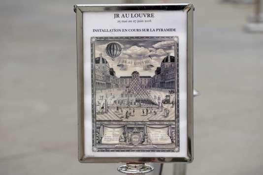 L'affiche, façon gravure ancienne, du programme de 24 heures de rencontres au Louvre imaginé par JR.