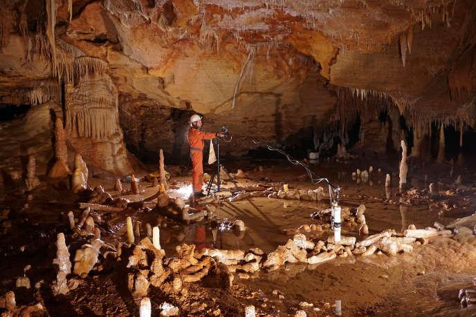 thorium de l'uranium datant spéléothems Filipina rencontres escroqueries