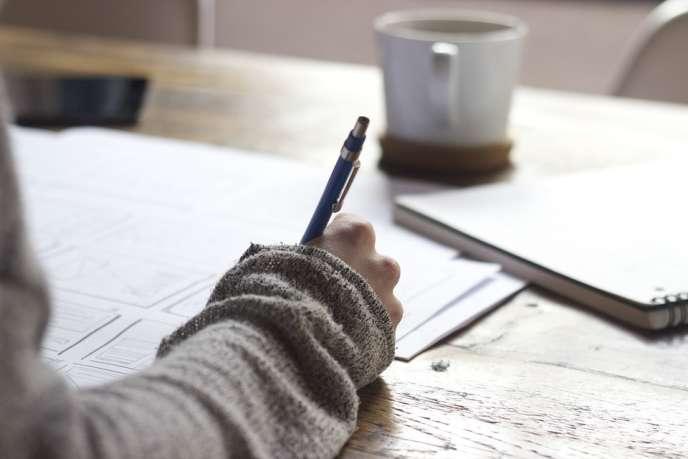 Pour postuler à Erasmus, les candidats doivent être attentifs à plusieurs points en préparant leur dossier.