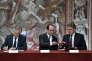 Philippe Petitcolin, PDG de Safran, Francois Hollande et Alexandre de Juniac, PDG d'Air France-KLM, le 24 mai à l'Elysée.