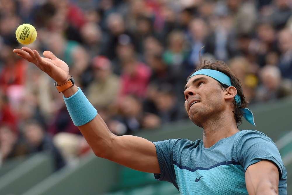 L'Espagnol Rafael Nadal a passé le premier tour de Roland-Garros en ne laissant que trois jeux à l'Australien Sam Groth, 100e mondial, 6-1, 6-1, 6-1.Nadal, tête de série n° 4, n'a commis que trois fautes directes pendant tout le match. Il affrontera au prochain tour le Français Kenny De Schepper ou l'Argentin Facundo Bagnis.