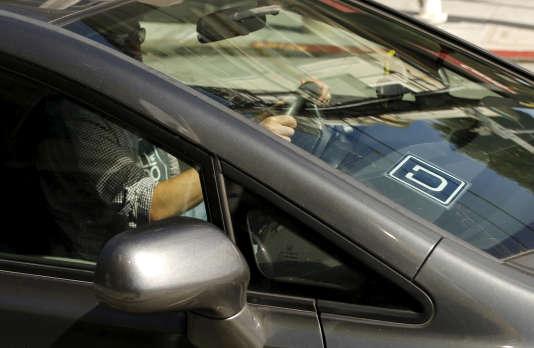 Un chauffeur Uber à San Francisco, en mai 2015.