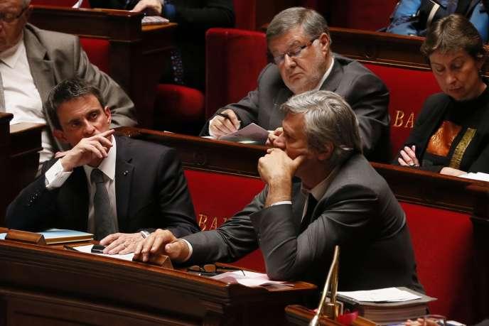 Manuel Valls et Stéphane Le Foll lors de la séance de questions au gouvernement, mercredi, à l'Assemblée nationale.