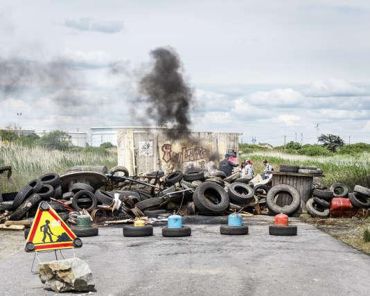 Donges, blocage du dépôt pétrolier SFDM par des salariés grévistes le 24 mai 2016.