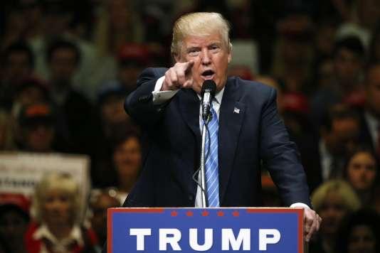 Le 25 mai 2016, à Anaheim, en Californie, Donald Trump s'en est pris aux républicains qui ne le soutiennent pas.