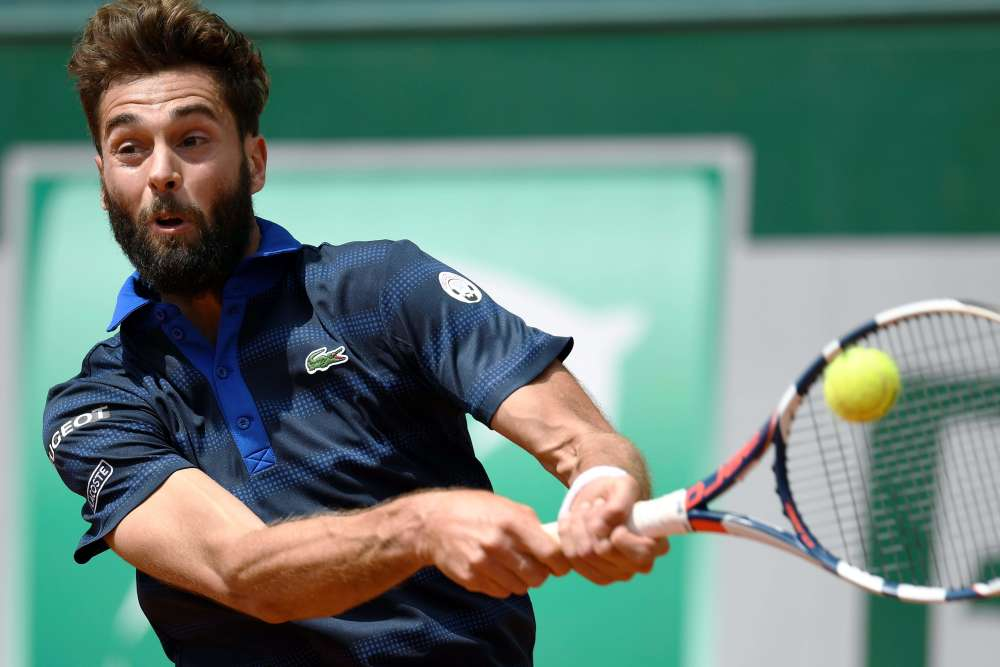 Benoît Paire aété battu au deuxième tour deRoland-Garros par le Russe Teymuraz Gabashvili, 79e mondial, en quatre sets (6-3, 6-2, 3-6, 6-2). C'est une grosse déception pour le Français, qui était tête de série n° 19. Il a commis beaucoup trop de fautes directes (43) contre un adversaire qu'il avait pourtant battu en deux sets à Barcelone il y a un mois.