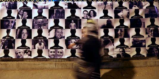 Photos des 804 victimes du vol EgyptAir au Caire.