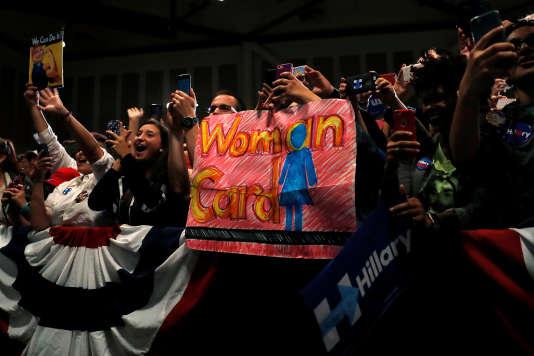 Des sympathisants d'Hillary Clinton lors d'un meeting àSan Jose, en Californie, le 26 mai 2016.