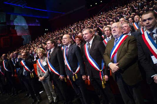 Rassemblement des maires de France, au Palais des congrès, à Paris, le 18 novembre 2015.