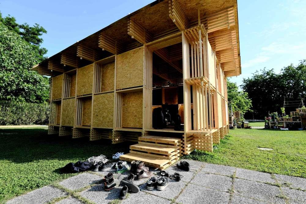 Célèbre pour son engagement social, Alejandro Aravena a invité sur la lagune 88 architectes venus de 37 pays différents– ici, le le projet « Dou pavillon» du Chinois Jingxiang Zhu.