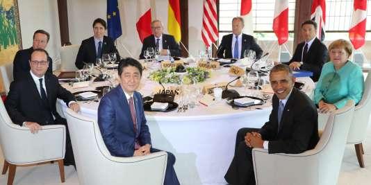 Le premier ministre nippon et les dirigeants du G7, jeudi 26 mai, à Ise-Shima (Centre du Japon)