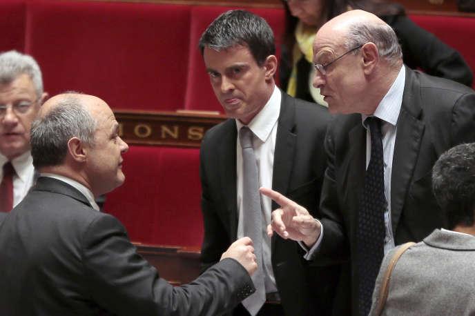 Bruno Le Roux, Manuel Valls et Jean-Marie Le Guen, le 16 avril au Palais Bourbon.
