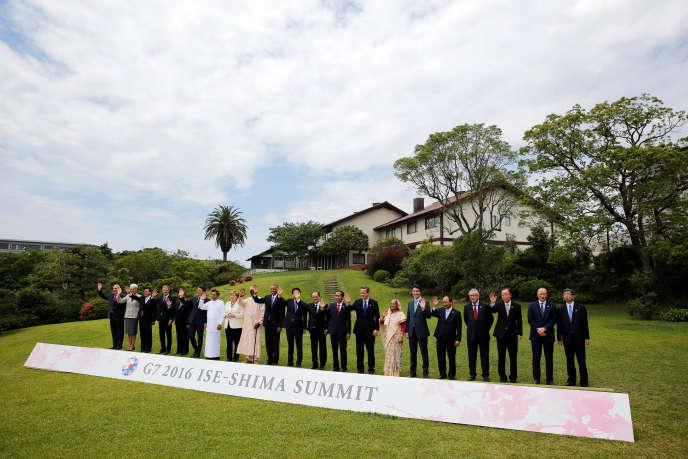 La traditionnelle photo des dirigeants du G7 à l'issue du sommet organiséà Ise-Shima, au Japon, le 27 mai 2016.