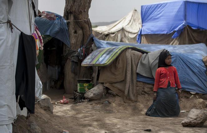 Une petite fille dans un camp de déplacés, à Sanaa, au Yémen, le 27 mai.