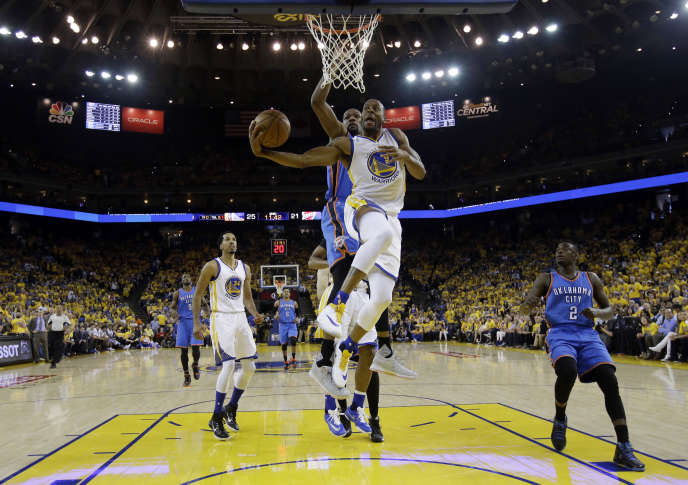 Le joueur des Warriors Andre Iguodala lors du match n° 5 de la finale Ouest des playoffs face à Oklahoma City jeudi 26 mai à Oakland.