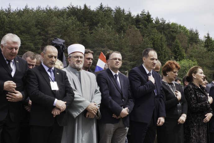 Céremonie de commémoration du massacre de Bleiburg, en Autriche, le 14 mai 2016. Au centre, le ministre de la culture,Zlatko Hasanbegovic