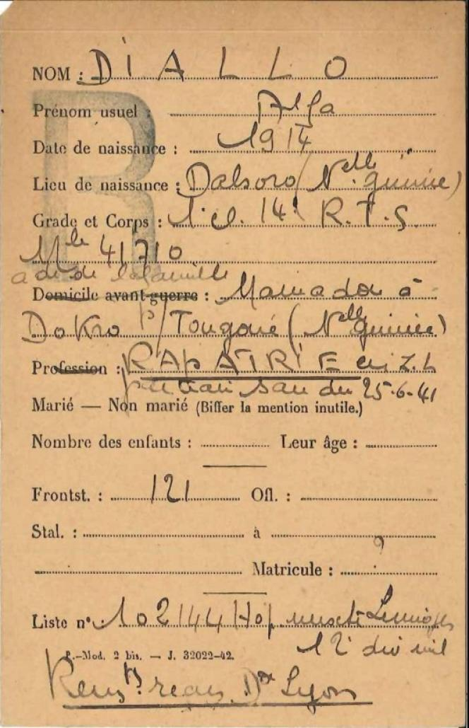 La fiche militaire du tirailleur Alfa Diallo.