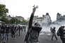 Des manifestants affrontent les forces de l'ordre, le 26 mai à Paris, à l'issue d'une marche contre la «loi travail».