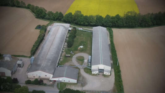 Vue aérienne de l'élevage de poules pondeuses du Gaec du Perrat.