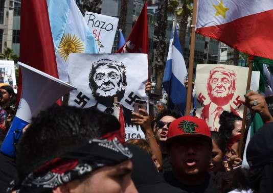Des manifestants anti-Trump devant un meeting du candidat républicain à San Diego, California, vendredi 27 mai 2016.