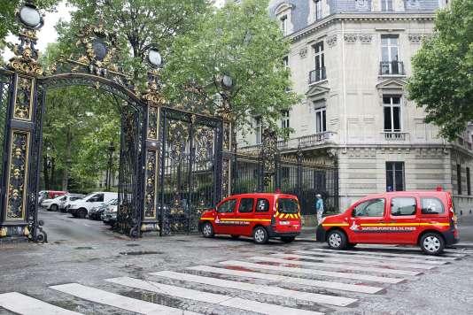 Devant le parc Monceau, samedi 28 mai.